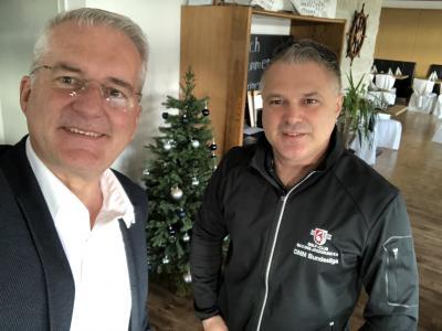 von links: Bürgermeister Andreas Weiher, Inhaber Josip Culic