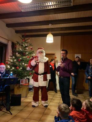 Vorschaubild zur Meldung: 70 Kinder erwarteten den Nikolaus in Oberfischbach