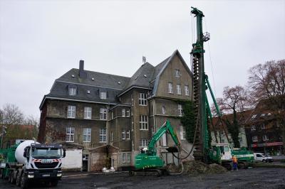 Foto zur Meldung: Tiefgründungsarbeiten im vollen Gange