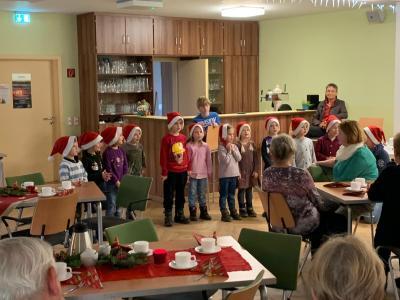 Weihnachtsfeier in Werder mit den Kindern der Kita Fuchsbau