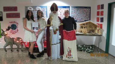 Vorschaubild zur Meldung: Der Nikolaus zu Besuch an der Sekundarschule Olsberg-Bestwig