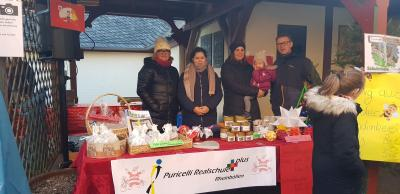 Foto zur Meldung: Nikolausmarkt vor historischer Kulisse Puricelli Realschule plus zu Gast am Puricelli Stift