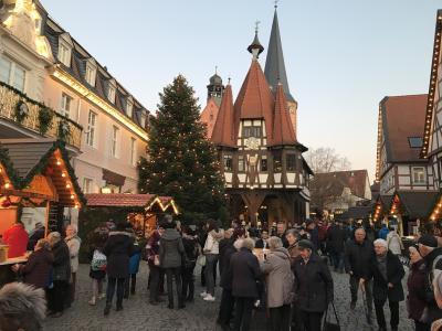 Vorschaubild zur Meldung: Wächtersbacher Senioren  besuchen den Michelstadter Weihnachtsmarkt