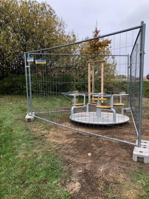 Foto zu Meldung: Spielplatzgestaltung und Baumpflanzung in Rümmer