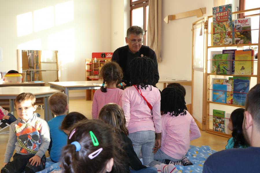 Bild der Meldung: Deutscher Vorlesetag - Handwerk liest im Kindergarten