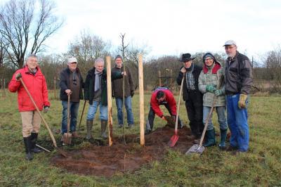 Foto zur Meldung: Bürgerverein pflanzt 90 Bäume in einem Jahr