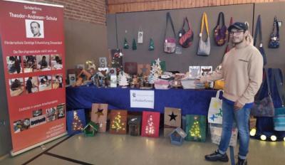 Foto zur Meldung: Schülerfirma auf dem Unterbacher Weihnachtsmarkt (Wichernschule)