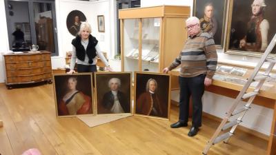 Foto zu Meldung: Feierliche Gemäldeübergabe im Schloss Meyenburg
