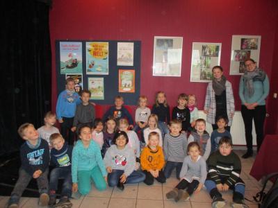 Vorschaubild zur Meldung: Pinguinklasse besucht das Theater