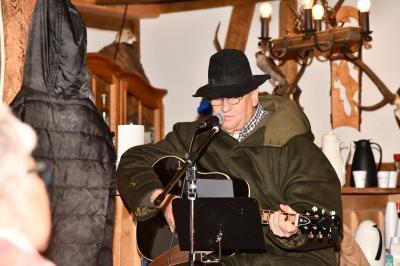 Knecht Rupprecht sang Weihnachtslieder