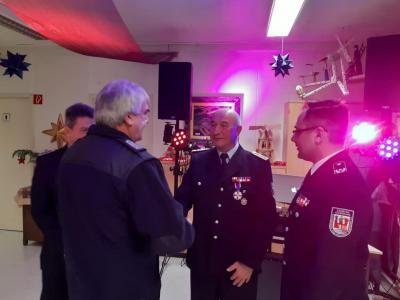 Vorschaubild zur Meldung: Deutsches Feuerwehr-Ehrenkreuz für Gerhard Toepler