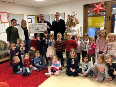 Foto zur Meldung: Spendenübergabe an Kindertagesstätte