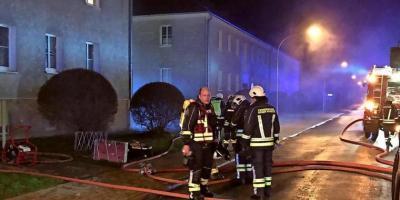 Foto zur Meldung: Kellerbrand in Kyritzer Robestraße – Mieter evakuiert