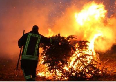 Vorschaubild zur Meldung: Tannenbaumverbrennung 11.01.2020