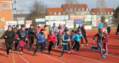 Neujahrspaarlauf mit exakt 100 Läufern gestartet