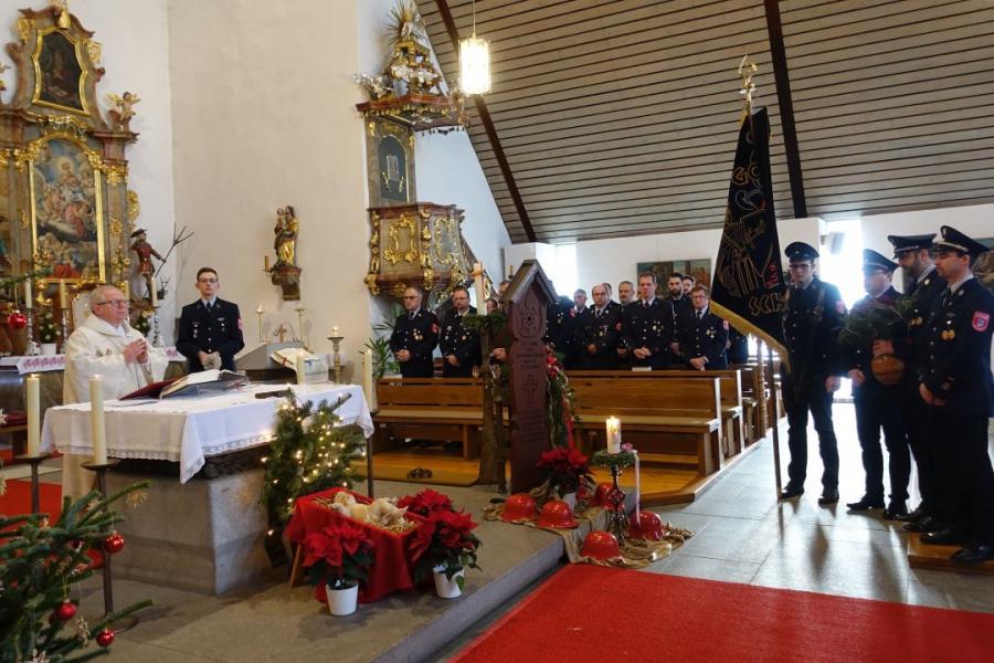 Bild der Meldung: Dreikönigsweihe und Jahrtag der Feuerwehr Miltach