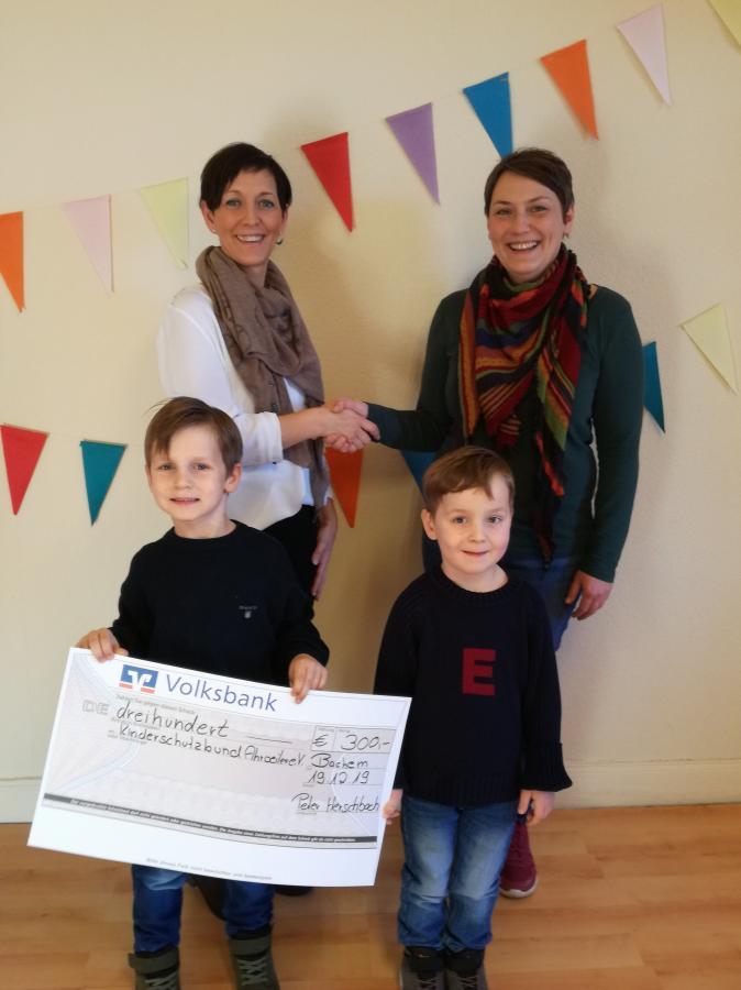 Bild der Meldung: Statt Weihnachtsgeschenken - Spende für den Kinderschutzbund