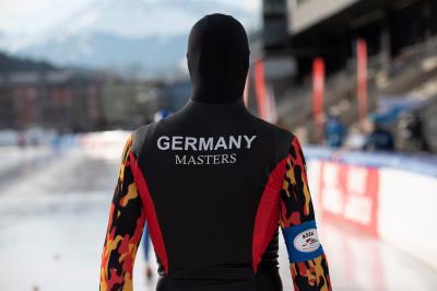 Das deutsche Eisschnelllauf- und Short Track-Team konnte sich in Innsbruck über 62 Medaillen freuen. Foto: Steffen Lehmann