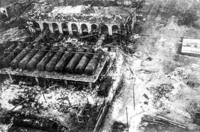 Teilbereich des Werkes nach den Explosionen
