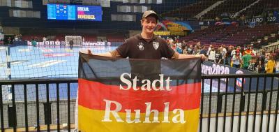 Foto zur Meldung: Europameisterschaft- Unser Vereinsmitglied Stefan Schmidt zur Handball EM in Wien