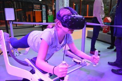 der Virtual Reality Bereich begeisterte die jungen Besucher I Foto: Martin Ferch