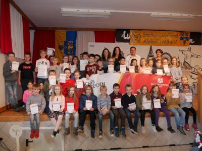 Vorschaubild zur Meldung: Sportabzeichen Verleihung an die Grundschule Broicher Siedlung