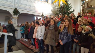 Foto zur Meldung: Weihnachtssingen in der Zerkwitzer Kirche