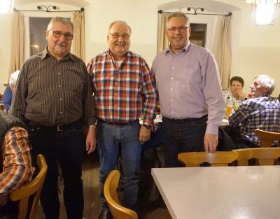 Bild von links: Manfred Knörnschild, Erwin Wurzbacher und Erster Bürgermeister Stefan Busch