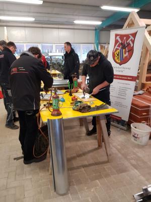 Foto zur Meldung: Gesellenweiterbildung der Dachdecker Innung Leipzig 2020