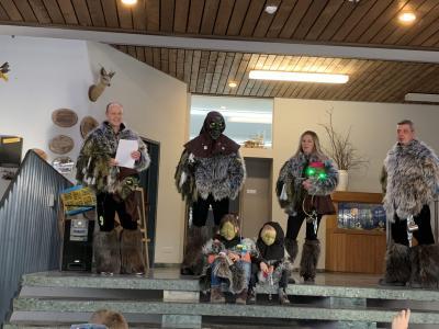 Die Seelbach Gaischda zu Besuch in der Grundschule Niederhof