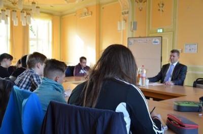 Foto zur Meldung: Einblicke in die Berufswelt für Schülerinnen und Schüler – Kreisverwaltung OSL macht mit beim Zukunftstag 2020