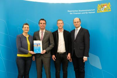 Als erste Kommune im Landkreis Schweinfurt erhielt Sennfeld den Förderbescheid des neuen bayerischen Programms