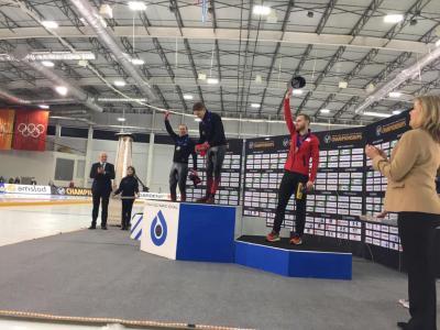 Patrick jubelt über Bronze. Foto: Team