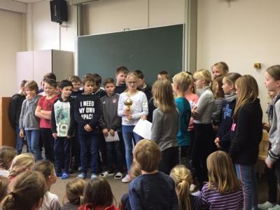 Foto zur Meldung: Klasse 4 im Pokalfieber