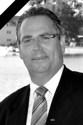 Vorschaubild zur Meldung: Trauer um Jörg Lehmann