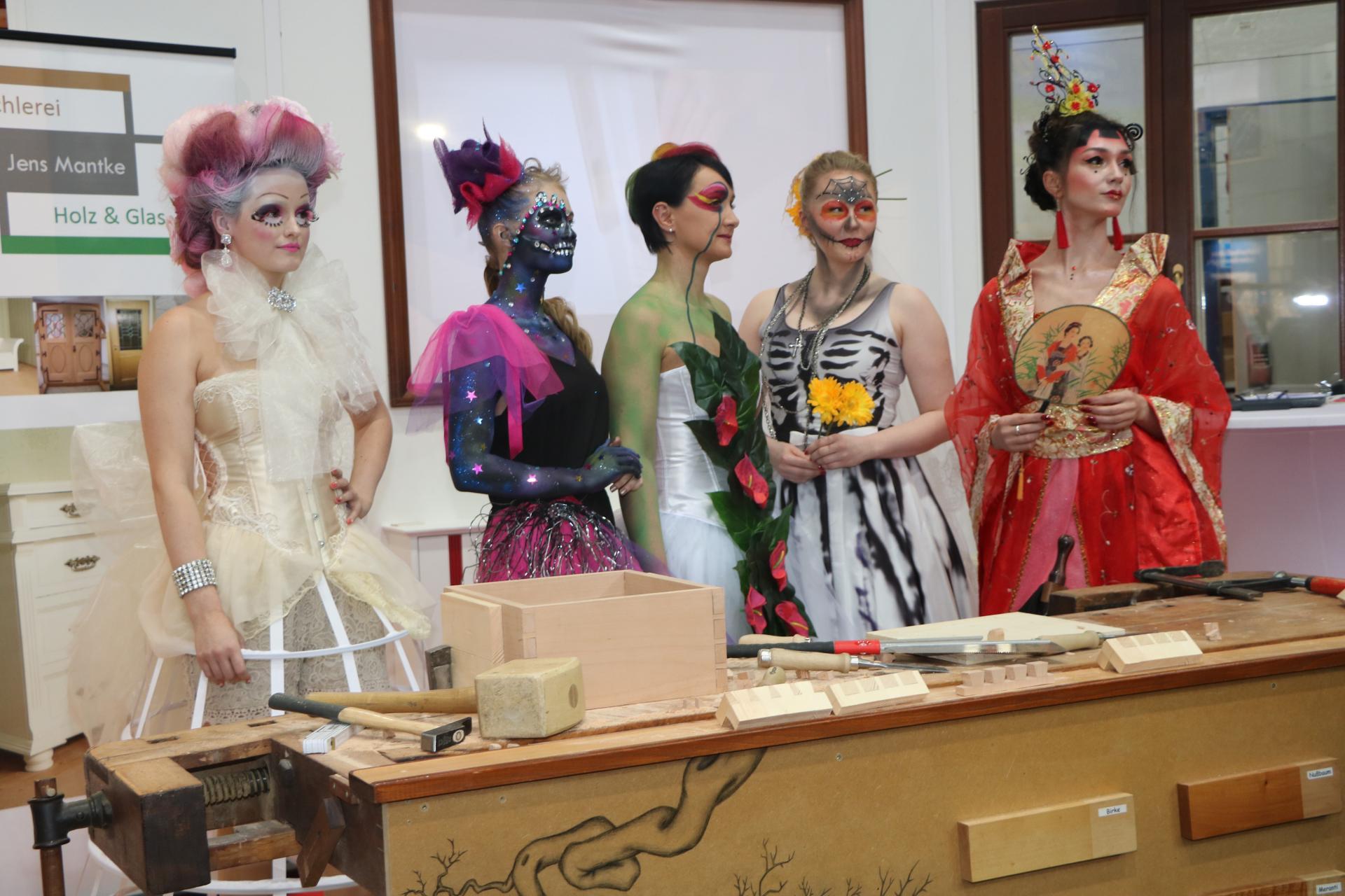 Bild der Meldung: Wettbewerb im Lehrlingsfrisieren der Friseur Innung Leipzig