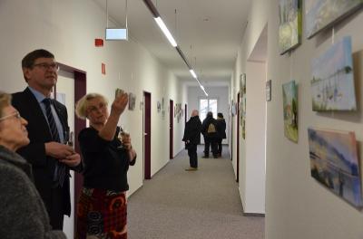 Foto zur Meldung: Ausstellung von Christine Hellebrandt im Gesundheitsamt