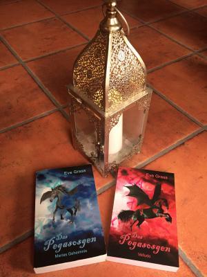 Die bisherigen Bände der Trilogie