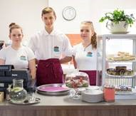 Foto zur Meldung: REGION: Inklusives internationales Junior-Café startet in die Saison