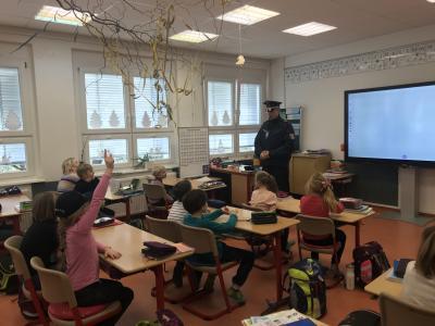 """Vorschaubild zur Meldung: Ein """"Fremder"""" im Klassenzimmer"""