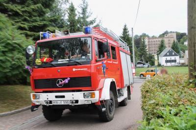 Löschfahrzeug der Feuerwehr Köthensdorf zur Schulanfangsfahrt; Foto: R. Haslinger