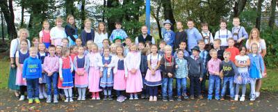 Vorschaubild zur Meldung: Zünftig läutet die Stöffelmaus-Schule die Herbstferien ein