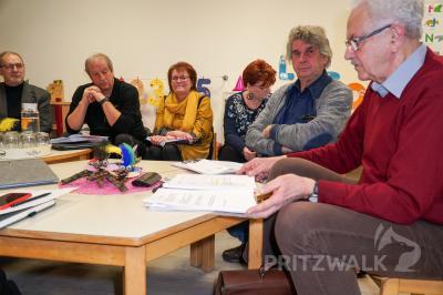 Foto zur Meldung: Bildungsausschuss zeigt sich angetan vom Zusammenhalt in Steffenshagen