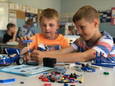 Foto zur Meldung: Technik macht Schule: LEGO-Experimentierkästen zu gewinnen