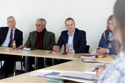 Foto zur Meldung: Landkreis und Klinikum stellen wichtige Weichen für die Zukunft