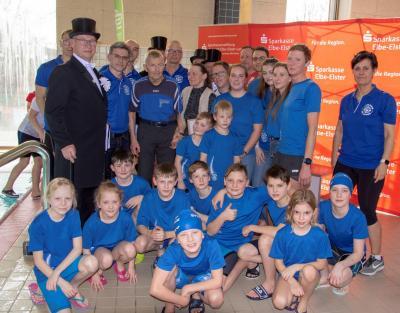 Foto zur Meldung: Neptun 08 ehrt Christian Homagk mit der Ehrenmitgliedschaft des Vereins