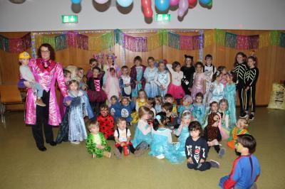 Vorschaubild zur Meldung: Tanz und Spiel beim TuS-Kinderfasching
