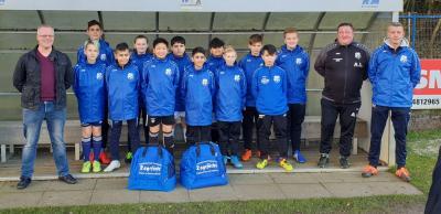 Foto zur Meldung: U13: D1-Jugend - Neue Sporttaschen