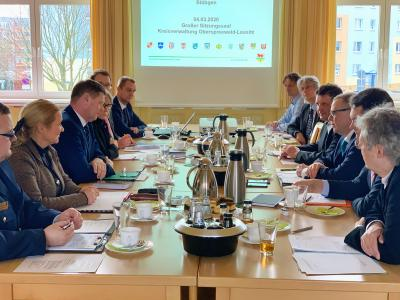 Foto zur Meldung: Innenminister zu Gast in der Kreisverwaltung OSL
