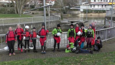 Foto zur Meldung: Perfekte Bedingungen für niedersächsische Slalomkanuten